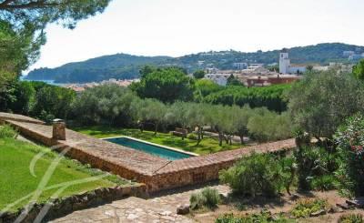 Saisonvermietungen Villa Girona
